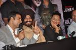 Akshay Kumar, Sonakshi Sinha at Holiday promotions in The Club, Mumbai on 4th June 2014 (76)_5390170f44464.JPG