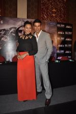 Akshay Kumar, Sonakshi Sinha at Holiday promotions in The Club, Mumbai on 4th June 2014 (91)_5390171327950.JPG