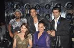 Akshay Kumar, Sonakshi Sinha, Karan Johar, Madhuri Dixit, remo D Souza promote Holiday on the sets of Jhalak Dikhhla Jaa Season 7 in Filmistan on 4th June 2014 (96)_539018ce1ada4.JPG