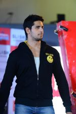 Sidharth Malhotra at Ek Villian music concert in Mumbai on 4th June 2014 (133)_53901ab674717.JPG