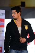 Sidharth Malhotra at Ek Villian music concert in Mumbai on 4th June 2014 (140)_53901aba5e222.JPG