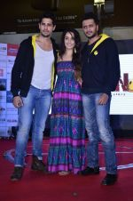 Sidharth Malhotra, Shraddha Kapoor, Riteish Deshmukh at Ek Villian music concert in Mumbai on 4th June 2014 (51)_53901b7ba8ce0.JPG