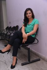 Isha Chawla Photo Shoot (20)_539157cf24282.JPG