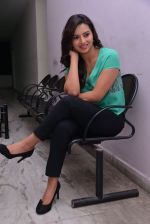 Isha Chawla Photo Shoot (30)_539157d48bf70.JPG