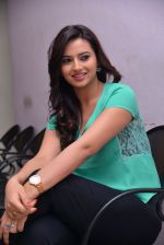 Isha Chawla Photo Shoot (34)_539157d6a83f7.JPG