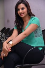 Isha Chawla Photo Shoot (35)_539157d736275.JPG