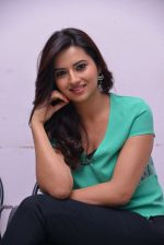 Isha Chawla Photo Shoot (39)_539157d9709d4.JPG