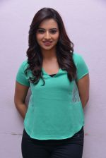 Isha Chawla Photo Shoot (7)_539157c8a6631.JPG