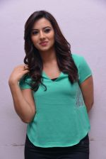 Isha Chawla Photo Shoot (9)_539157c9b04f0.JPG