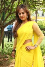 Maanu Actress New Stills in Yellow Sari (10)_53915834eb99b.jpg