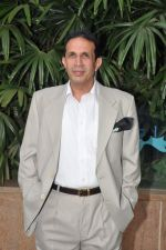 Parvez Damania at the launch of book on Aamir Khan written by Pradeep Chandra in Westin, Mumbai on 8th June 2014 (62)_53955a9e400cb.JPG