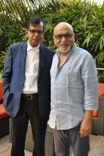 Pritish Nandy laucnhes book on Aamir Khan written by Pradeep Chandra in Westin, Mumbai on 8th June 2014 (3)_53955abc686d1.JPG