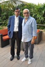 Pritish Nandy laucnhes book on Aamir Khan written by Pradeep Chandra in Westin, Mumbai on 8th June 2014 (5)_53955abd793a9.JPG