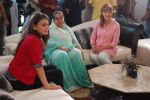 Farida Jalal and Sneha Ullal on the sets of Bezubaan in Madh on 10th June 2014 (39)_53981dd1e84a3.JPG