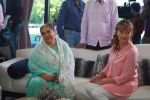 Farida Jalal on the sets of Bezubaan in Madh on 10th June 2014 (34)_53981dd373e57.JPG