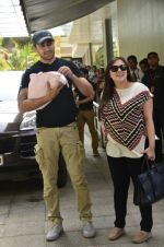Imran Khan_s baby discharged from hospital in Khar, Mumbai on 12th June 2014 (26)_539ae37ccf13e.jpg