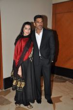 Sunil Shetty, Mana Shetty at Shatrughan_s success bash hosted by Pahlaj Nahlani in Spice, Mumbai on 14th June 2014 (69)_539d029f0d932.JPG