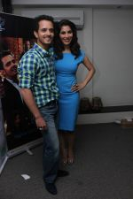 Sophie Choudry, Raghav Sachar at Raat Akeli Launch Press Meet in Mumbai on 18th June 2014 (7)_53a2d6eb7271a.JPG