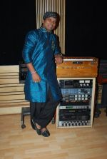 Shahid Mallya at Lateef film music recording in Goregaon on 19th June 2014 (40)_53a39ad946032.JPG