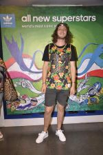 Australian DJ Thomas Jack snapped at Adidas showroom at Palladium on 21st June 2014 (22)_53a648389bdc7.JPG