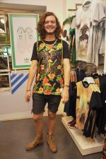 Australian DJ Thomas Jack snapped at Adidas showroom at Palladium on 21st June 2014 (3)_53a648296d1d9.JPG
