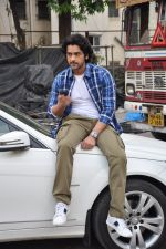 Arjan Bajwa snapped promoting Bobby Jasoos in Bandra on 25th June 2014 (15)_53ad21e0027fc.JPG