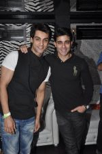 Karan Wahi and Gautam Rode at Vivian Dsena_s birthday party in Villa 69, Mumbai on 28th June 2014_53b2a0dd82bb2.jpg