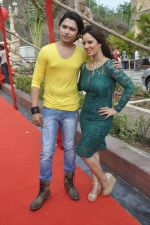 Priti Sharma, Sidhant Singh On location shooting of film Hume Toh Loot Liya in Mumbai on 30th June 2014 (83)_53b275c3e4174.JPG