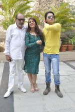 Tinu Anand, Priti Sharma, Sidhant Singh On location shooting of film Hume Toh Loot Liya in Mumbai on 30th June 2014 (24)_53b276423626b.JPG