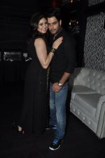 Vivian Dsena and Vahbiz Dorabajee at Vivian Dsena_s birthday party in Villa 69, Mumbai on 28th June 2014 (18)_53b2a29de2265.JPG