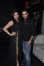 Vivian Dsena and Vahbiz Dorabajee at Vivian Dsena_s birthday party in Villa 69, Mumbai on 28th June 2014 (19)_53b2a29e8ae4e.JPG
