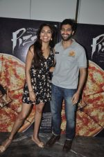 Akshay Oberoi, Parvathy Omanakuttan at Pizza film promotions in Chakala, Mumbai on 1st July 2014 (61)_53b3c2e0cac67.JPG