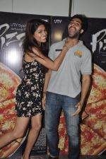 Akshay Oberoi, Parvathy Omanakuttan at Pizza film promotions in Chakala, Mumbai on 1st July 2014 (71)_53b3c2e3cdb20.JPG
