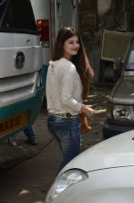 Kainaat Arora on Jhalak Dikhla Jaa show in Filmistan, Mumbai on 1st July 2014 (15)_53b3c348d259f.JPG