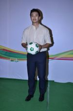 Baichung Bhutia at Castrol photo shoot in Filmistan, Mumbai on 5th July 2014 (16)_53b9307cd2e82.JPG