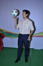Baichung Bhutia at Castrol photo shoot in Filmistan, Mumbai on 5th July 2014 (22)_53b9308064bd9.JPG