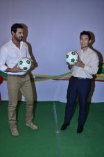 John Abraham, Baichung Bhutia at Castrol photo shoot in Filmistan, Mumbai on 5th July 2014 (80)_53b930957d048.JPG