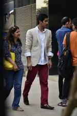 Vijender Singh snapped post photo shoot for magazine in Bandra on 5th July 2014 (15)_53b9301b4bb64.JPG