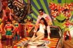 Zayed Khan and Tina Desai in the still from movie Sharafat Gayi Tel Lene_53c2638c2a3a4.jpg