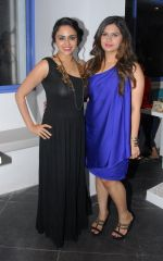 Manali Jagtap with Sai Tamhankar at Manali Jagtap_s Couture Bridal collection in Mumbai on 13th July 2014_53c3abdf47d39.JPG