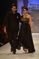Sunny Leone sizzles for Apala Jewels at IIJW Day 1 in Grand Hyatt, Mumbai on 14th July 2014 (11)_53c6663c509cc.JPG