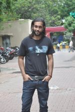 at Desi Kattey promotions in Shivaji Park, Mumbai on 14th July 2014 (22)_53c6466c9001b.JPG