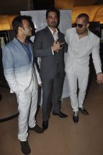 Abhinav Shukla, Ali Quli at Kamal Saldanah_s roar film launch in Mumbai on 31st July 2014 (5)_53db8bdf282d7.JPG
