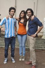 Raghav Juyal, Ali Fazal, Rhea Chakraborty at Sippy_s Sonali Cable poster shoot in Mehboob, Mumbai on 1st Aug 2014 (259)_53dccb42c3d7d.JPG