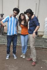 Raghav Juyal, Ali Fazal, Rhea Chakraborty at Sippy_s Sonali Cable poster shoot in Mehboob, Mumbai on 1st Aug 2014 (272)_53dccb4898544.JPG