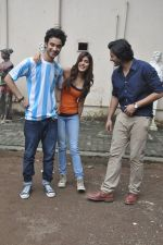 Raghav Juyal, Ali Fazal, Rhea Chakraborty at Sippy_s Sonali Cable poster shoot in Mehboob, Mumbai on 1st Aug 2014 (275)_53dccb4a1fb91.JPG