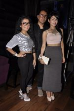 Sonu Kakkar, Neha Kakkar at Mirchi Top 20 Awards in Hard Rock Cafe, Mumbai on 1st Aug 2014 (14)_53dcd1323cf58.JPG