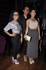 Sonu Kakkar, Neha Kakkar at Mirchi Top 20 Awards in Hard Rock Cafe, Mumbai on 1st Aug 2014 (12)_53dcd12f6bab5.JPG