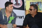 Akshay Kumar, Prakash Raj at the promotion of movie It_s entertainment in south on 4th Aug 2014 (168)_53e1c630a8e8c.jpg