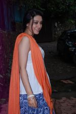 Anchal Singh at the shooting of Hai Tu in Madh Island on 4th Aug 2014 (11)_53e1cb9a011dd.JPG